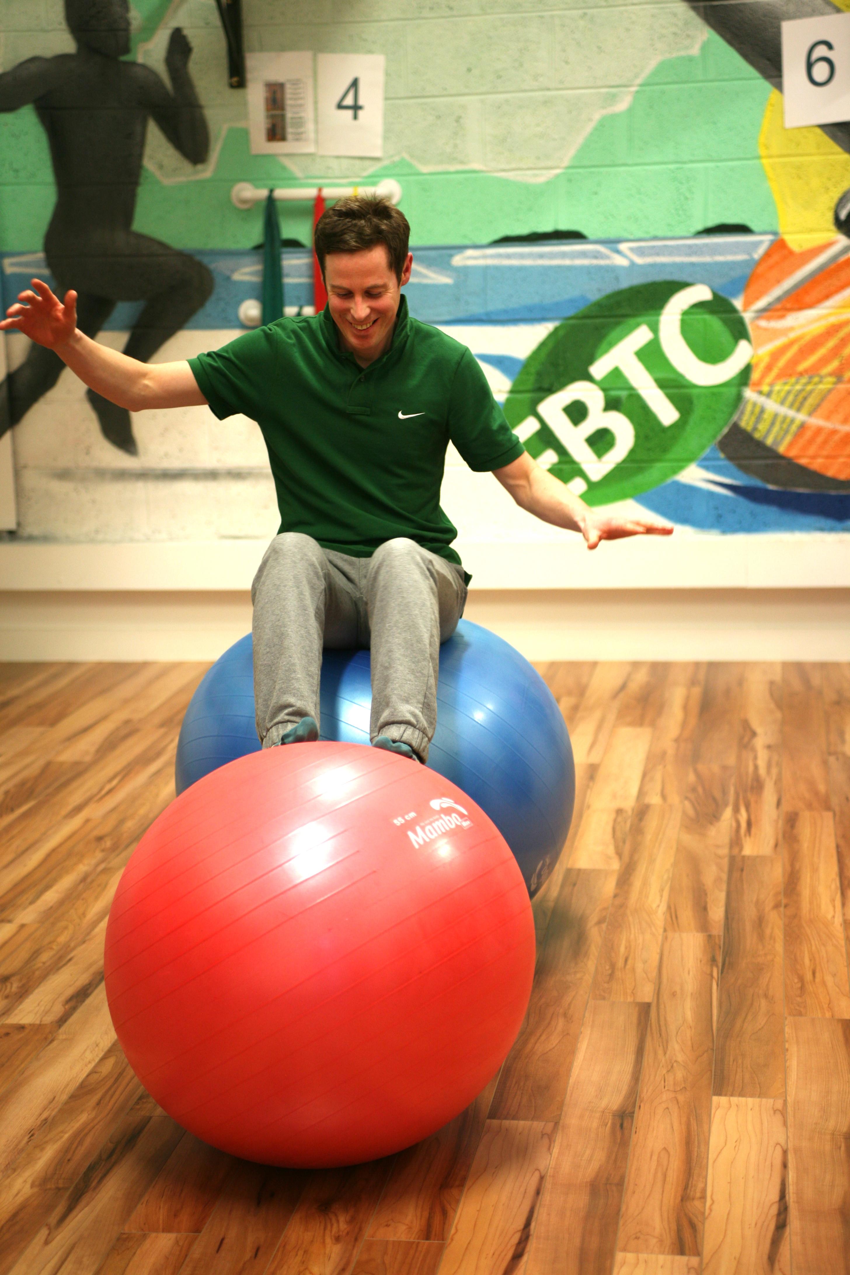 2-ball balance test
